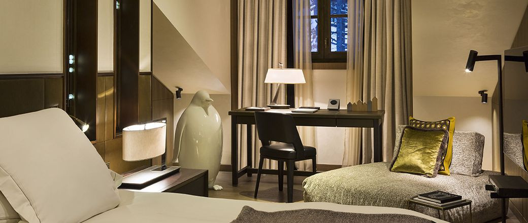 h tel cheval blanc 33 0 975 170 836 h tel courchevel 1850. Black Bedroom Furniture Sets. Home Design Ideas