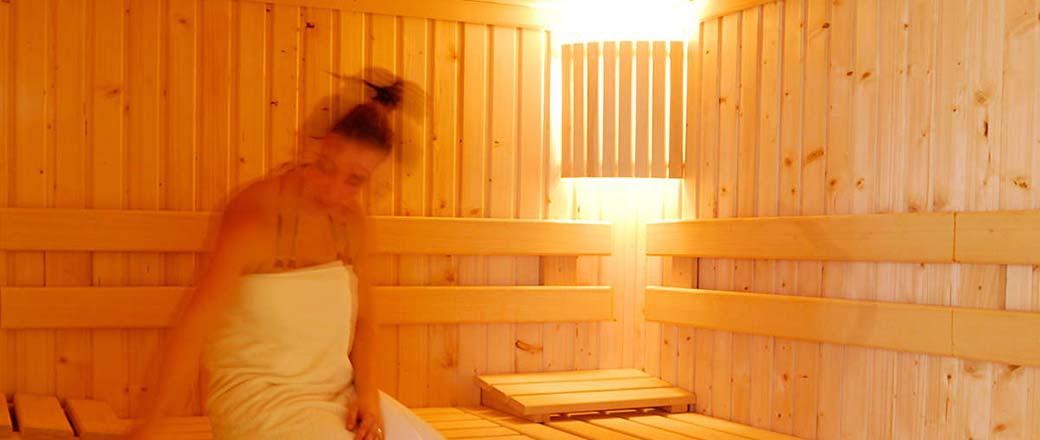 appartement les chalets de la mouria avec sauna 4 chambres 8 personnes 33 0 975 170 836. Black Bedroom Furniture Sets. Home Design Ideas